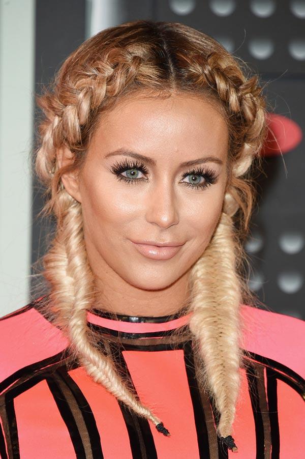 2015_MTV_VMAs_beauty_celebrity_hairstyles_Aubrey_O_Day