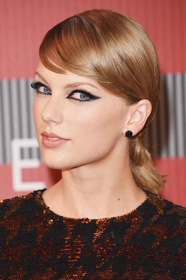 2015_MTV_VMAs_beauty_celebrity_hairstyles_Taylor_Swift