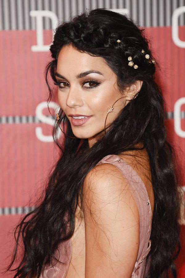 2015_MTV_VMAs_beauty_celebrity_hairstyles_Vanessa_Hudgens