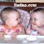 Gitarla Çoşan Bebekler
